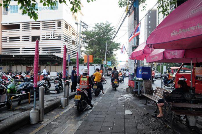 Motorbike-pavement-696x464.jpg.6a388fe75a802258e56d99bf330487ac.jpg.c862afaadb8ceead292104615a604c14.jpg