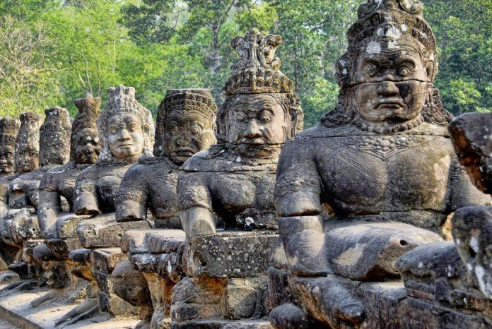 Cambodia_1503303729-e1503303753888-696x466.jpg.7e64147a15877aead8f963f6e0a9d1dc.jpg