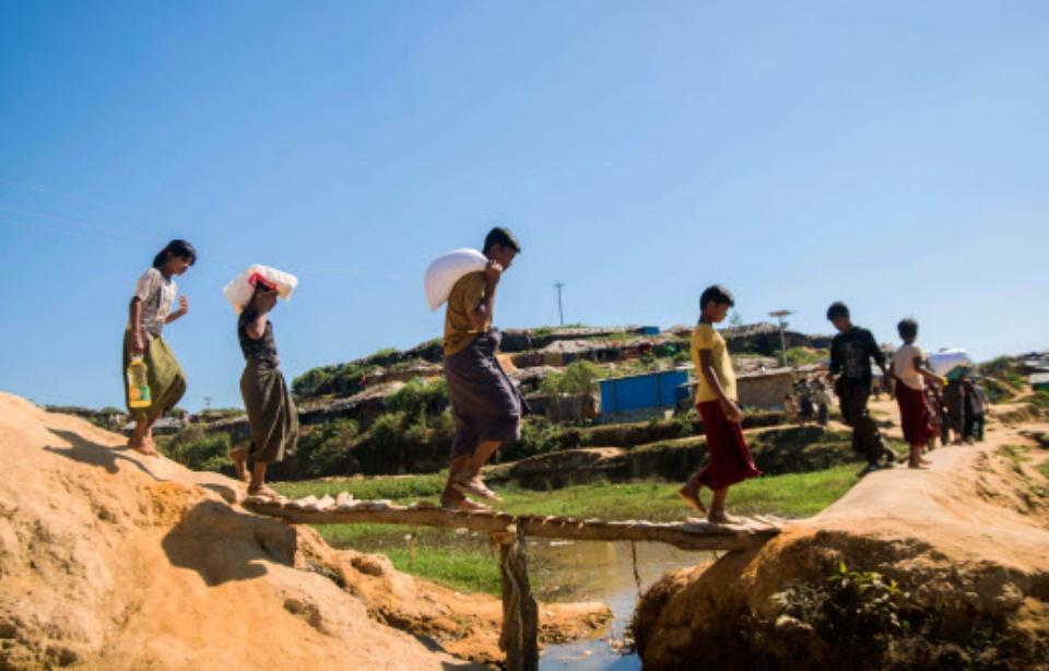 960x614_camp-refugies-kutupalong-bangladesh.jpg.3224f8619aeeb40f0b94754f3abaec0f.jpg