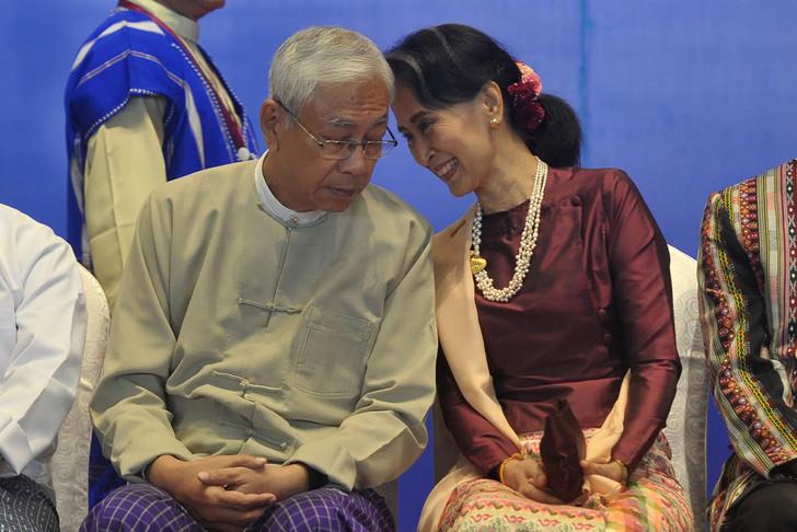 president-birman-Htin-Kyaw-compagnon-route-dAung-San-Suu-Kyi-demissionne-mercredi-21_0_728_486.jpg.11f1b18c2a8fd278fe015c2800603e99.jpg