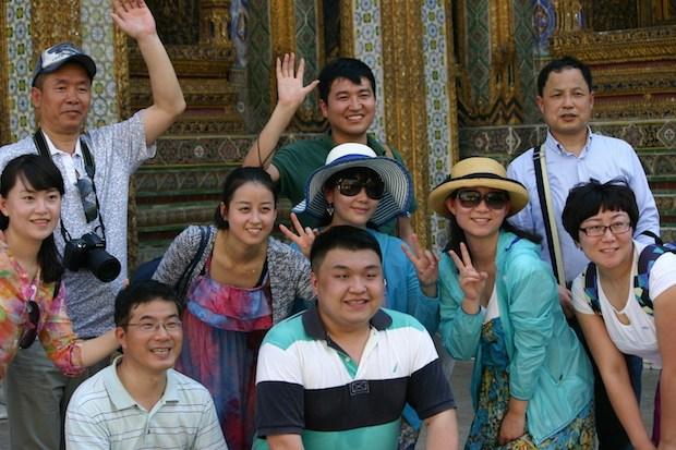 chinese-tourists-thailand.jpg.63925d18499978d826d592305734df2b.jpg