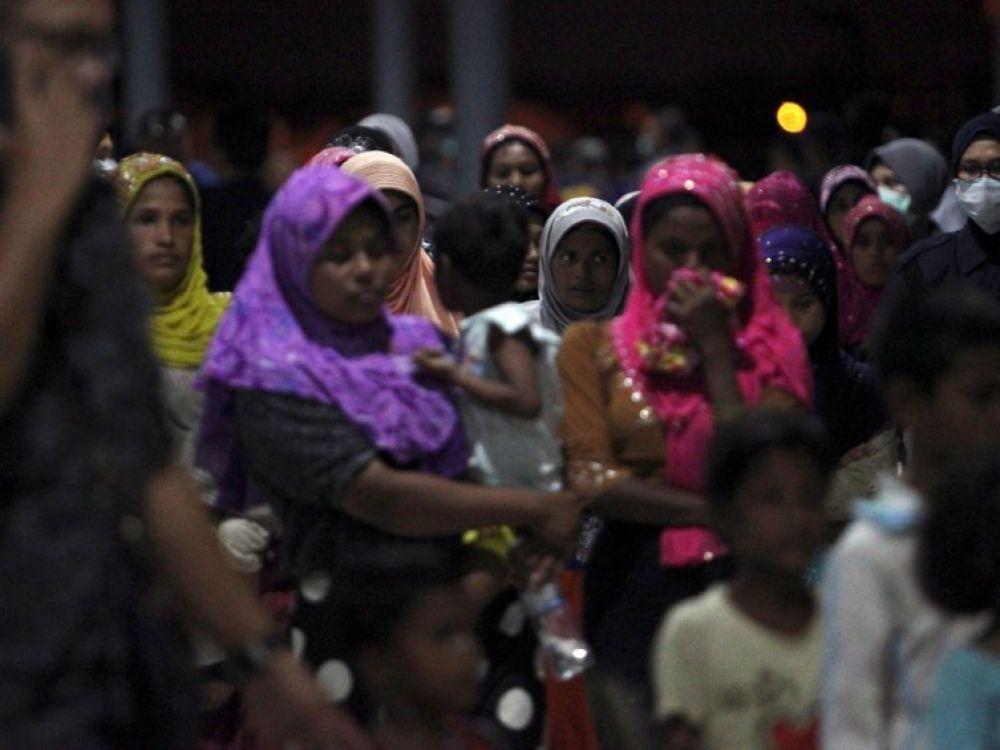 cover-r4x3w1000-5acd125bad68c-birmanie-sept-soldats-condamnes-pour-avoir-tue-des.jpg.14610a4a4ef727e14d9d6afa7b965449.jpg