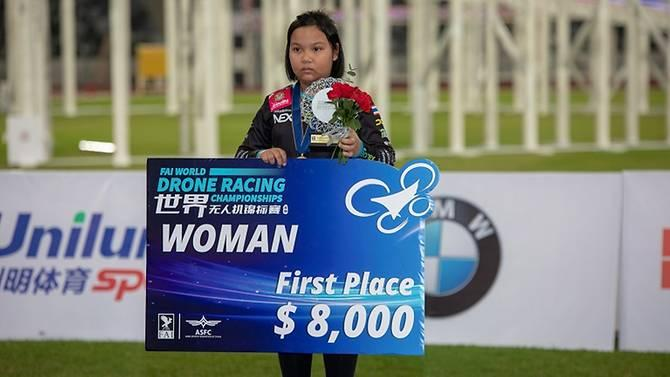 thai-girl-drone-racing.jpg.c4972bee52cee8f1b83f203063372bca.jpg