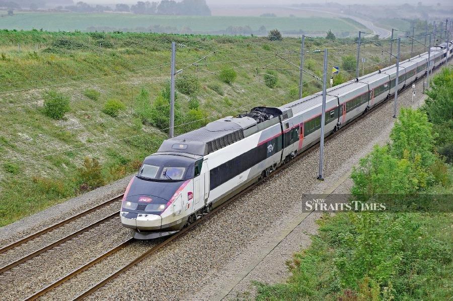 Bina-Puris-JV-company-bags-7.7bn-baht-high-speed-railway-contract-in-Thailand.jpg.7d1c12f821221d94cb72e0167bcd3164.jpg
