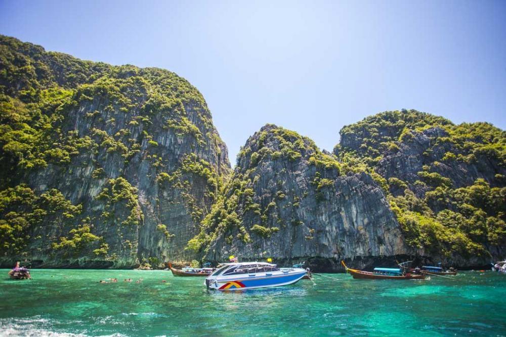 Phi-Phi-island-tour-from-Krabi-6.thumb.jpg.c922ef86a5879cf9f7077b61608bc02d.jpg